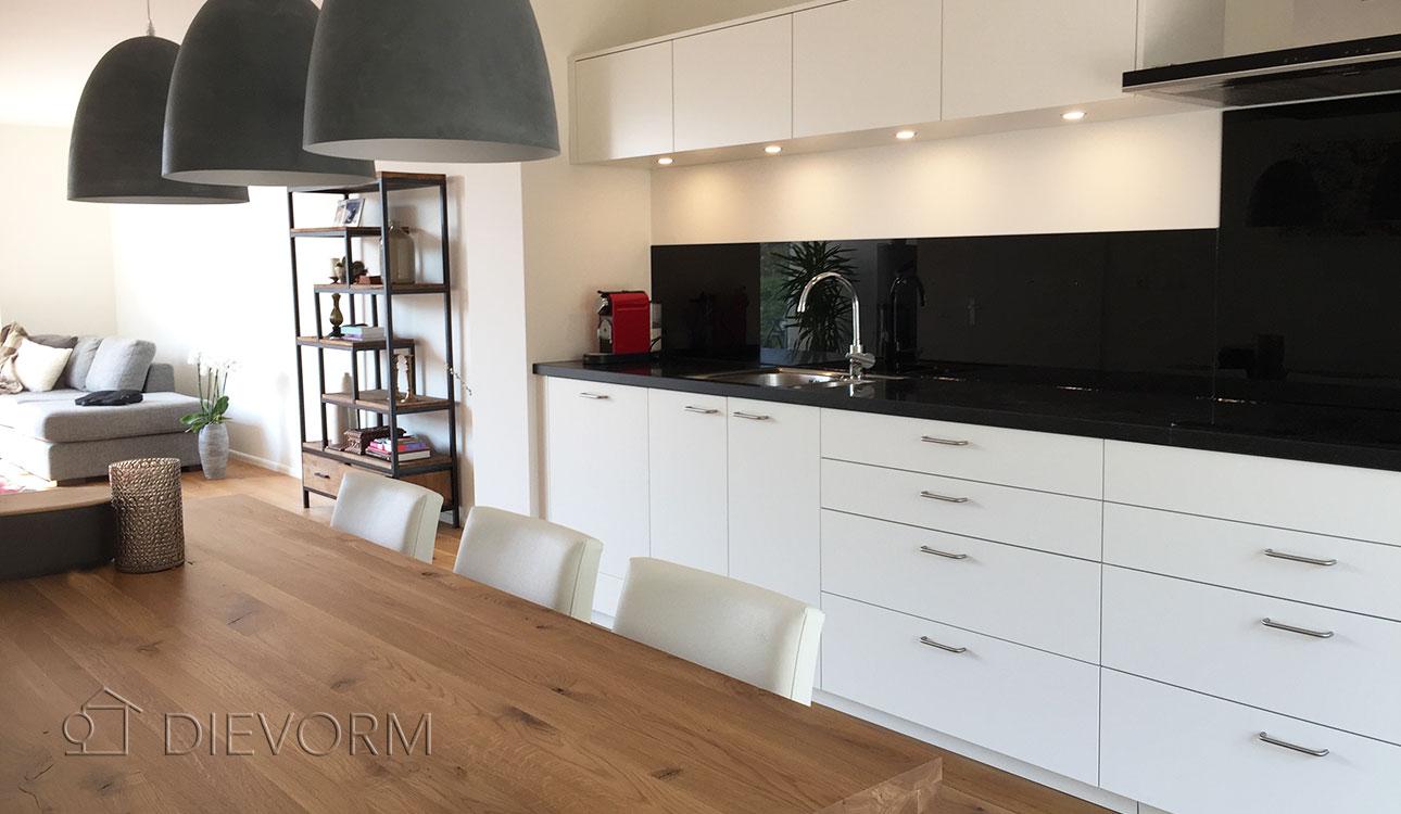 Zwart wit keuken renovatie op maat laten maken arnhem