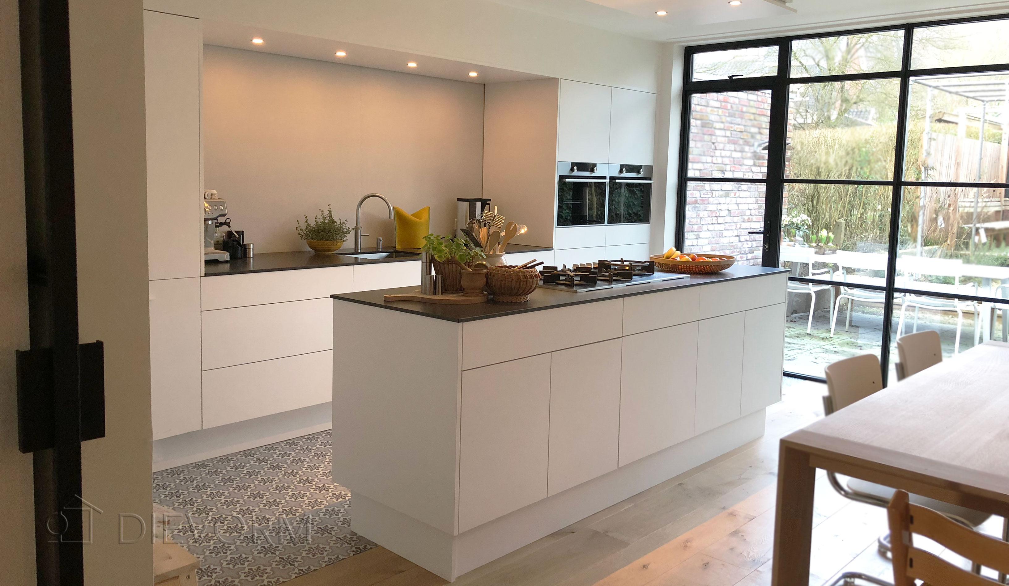 Eenvoudige Schouw Keuken : Landelijke keuken op maat hoeven