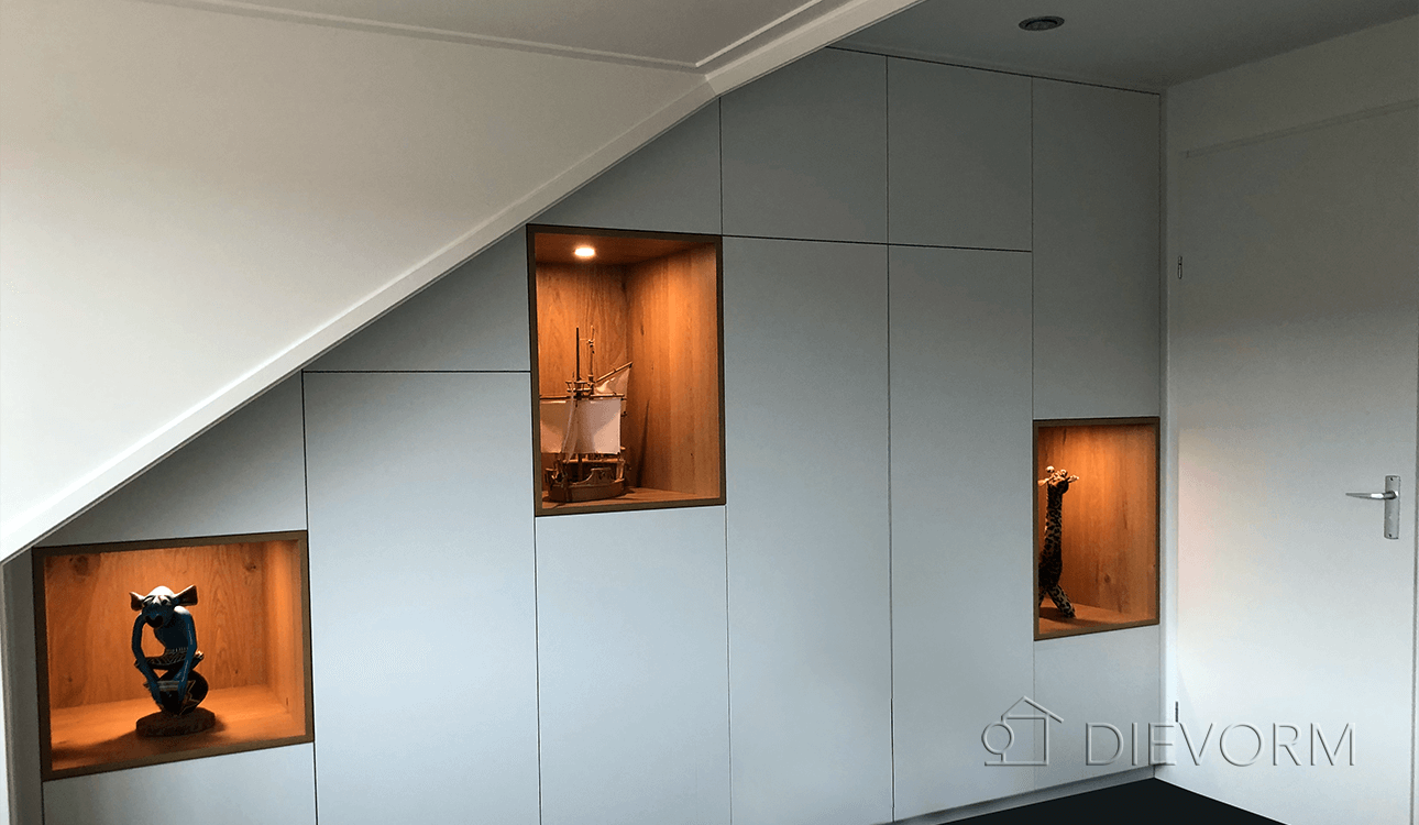 kastenwand-schuin-dak-Arnhem-design-op-maat