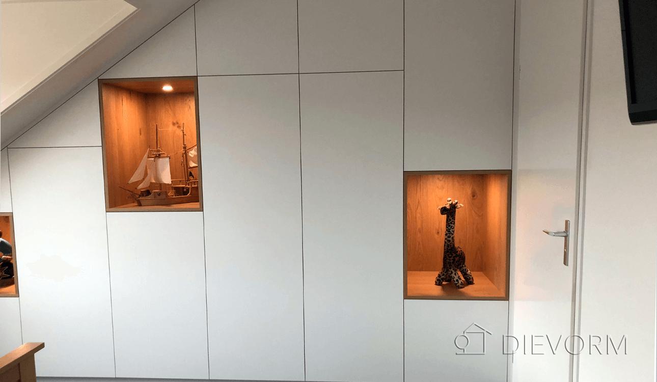 kastenwand-schuindak-Arnhem-modern-op maat