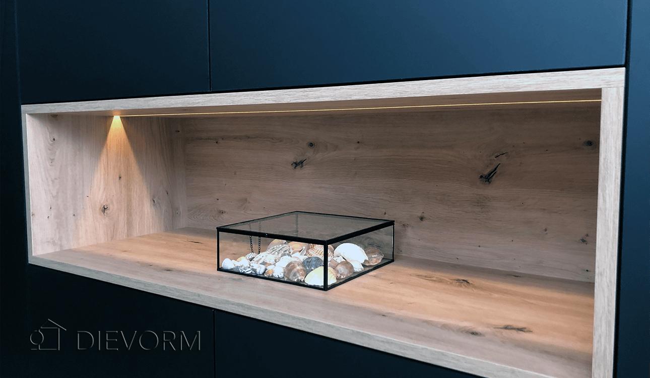 zwarte_design_keuken_Arnhem_Schuytgraaf_houten_open vak_detail